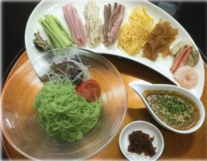 翡翠麺の冷やし中華